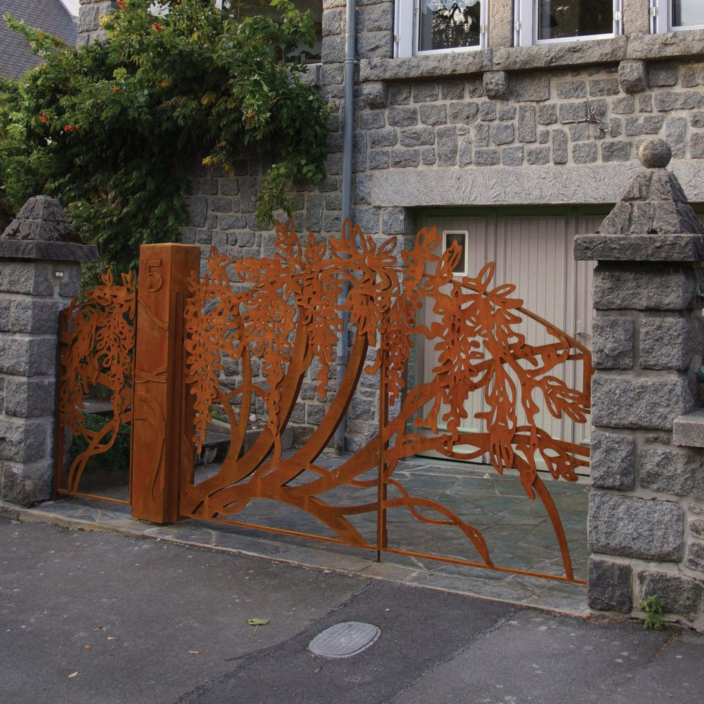 Portail - Acier Corten - Modèle «Glycine» - Ville de Saint Brieuc