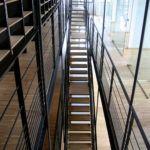 Escaliers et garde-corps - aciers suspendus à la charpente - SDAP - Ville de Quimper